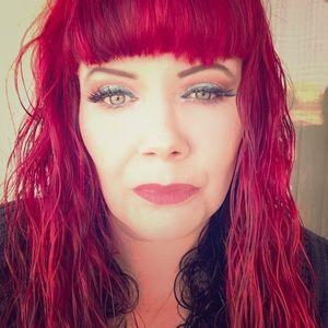 Meet your Posher ; Jen Fulwiler!! ❤️